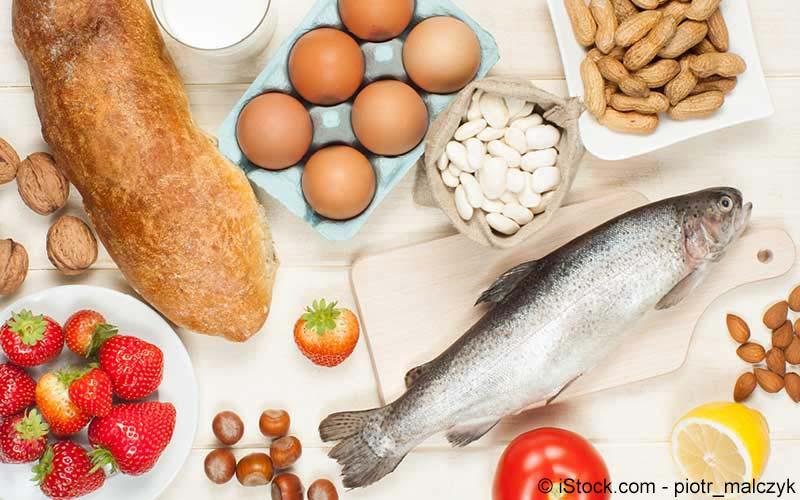 Fisch, Eier und Brot
