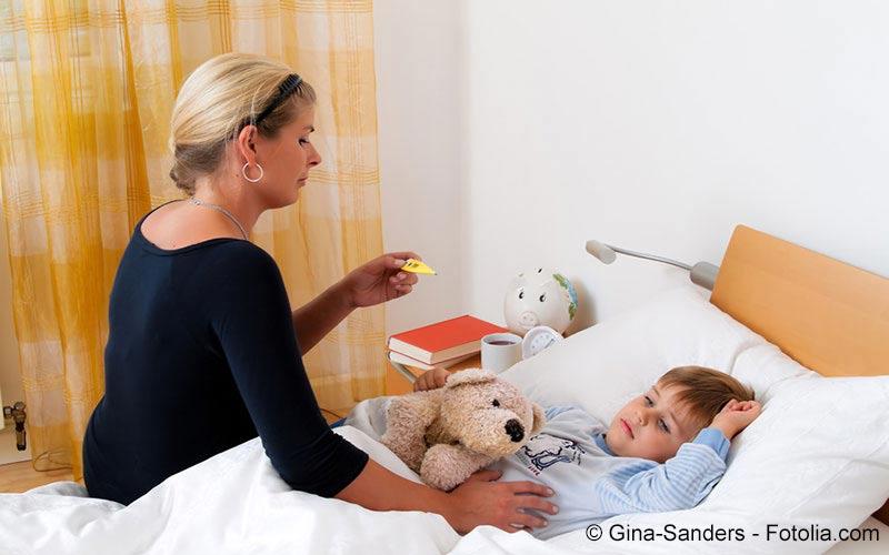 Mutter misst Fieber