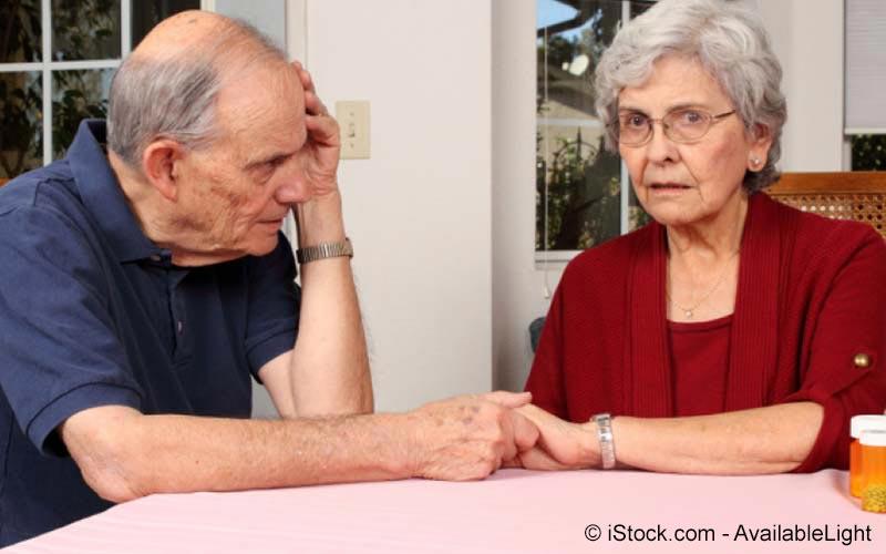 Älteres Paar mit sorgen